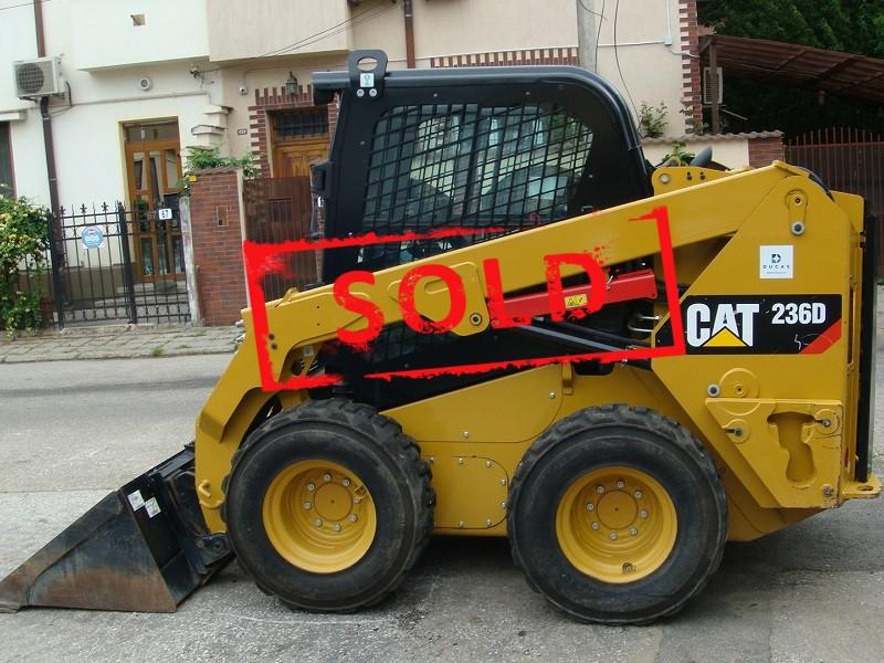 2016 CAT 236 D